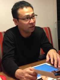 Mr. Shibuya answering questions.