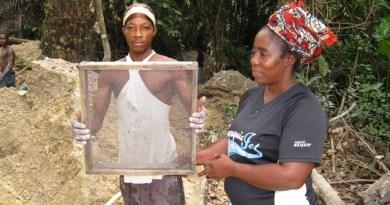 Artisanal diamond miner Liberia