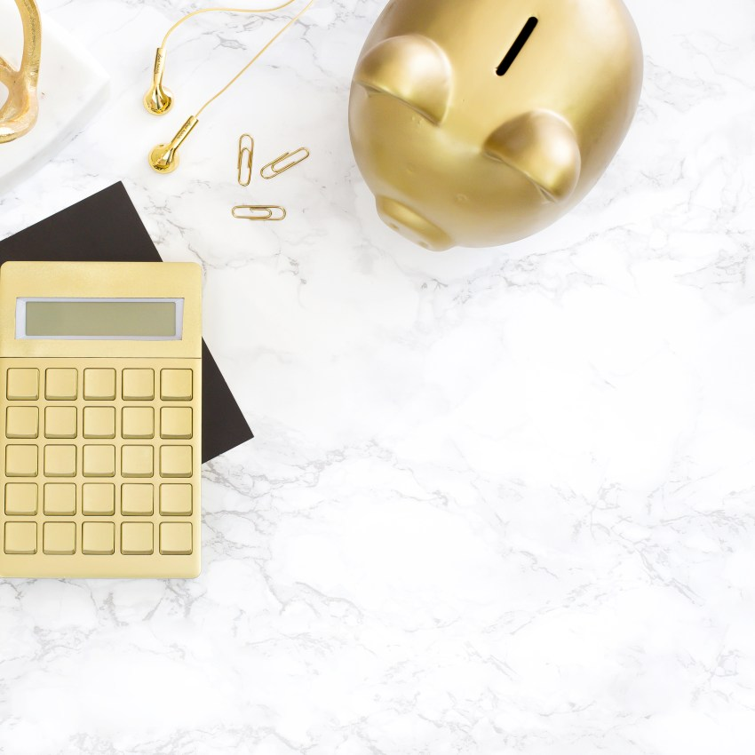 Learn how to create a wedding business budget and get your first year of finances on track. Perfect for those thinking of starting a wedding planner career. Become a Wedding Planner, Event Planner, Wedding Business, Wedding career, wedding planner business, Wedding Planner Business Budget, wedding planner free printable, Wedding Planner products, wedding planner tips, wedding planner tools