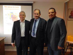 Presidente do Sindipostos-ce, Antônio Machado; Desembargador Francisco José Gomes da Silva e Ardílis Arrais, presidente do Sinpospetro.