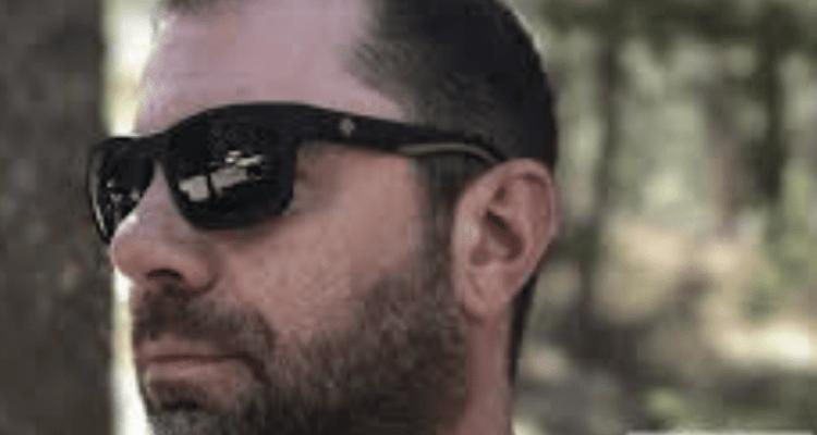 cbf298a67cb SPY Optics Hunt Sunglasses with Happy Lenses - Engearment