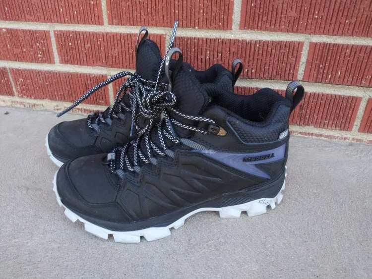 Merrell's Women's Thermo Freeze Mid Waterproof boot