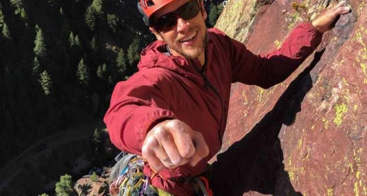 Black Diamond Alpine Start Hoody - The Best Climbing Windbreaker 1