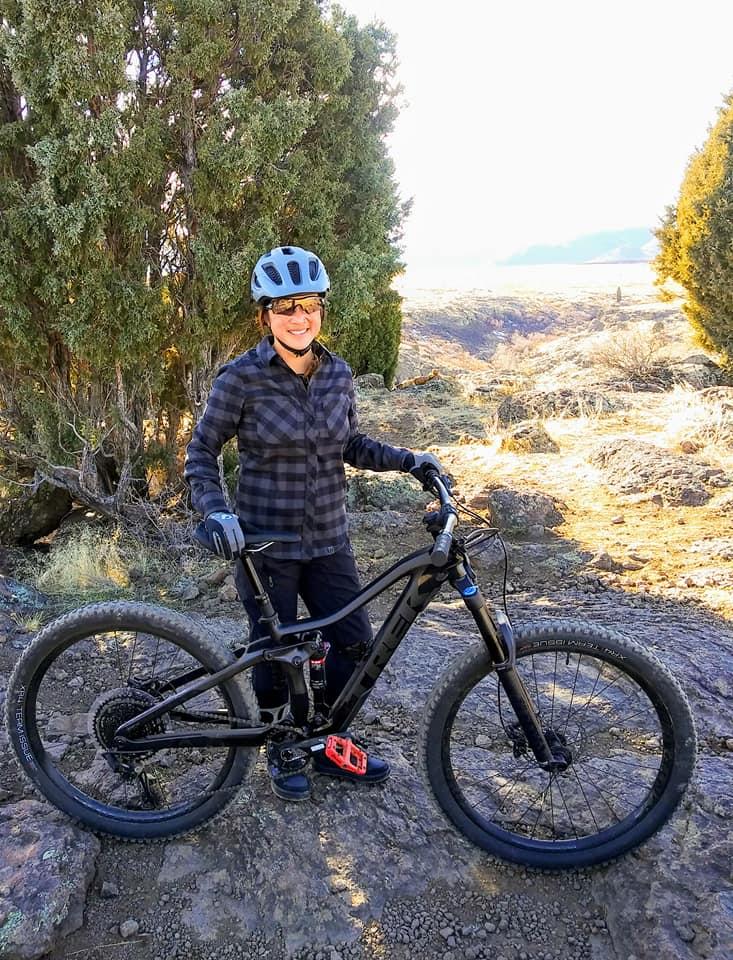 Bontrager Blaze mountain bike helmet, Pearl Izumi Rove long sleeve shirt, Five Ten Free Rider mountain bike shoes, 2020 Trek Fuel EX 9.7 mountain bike.