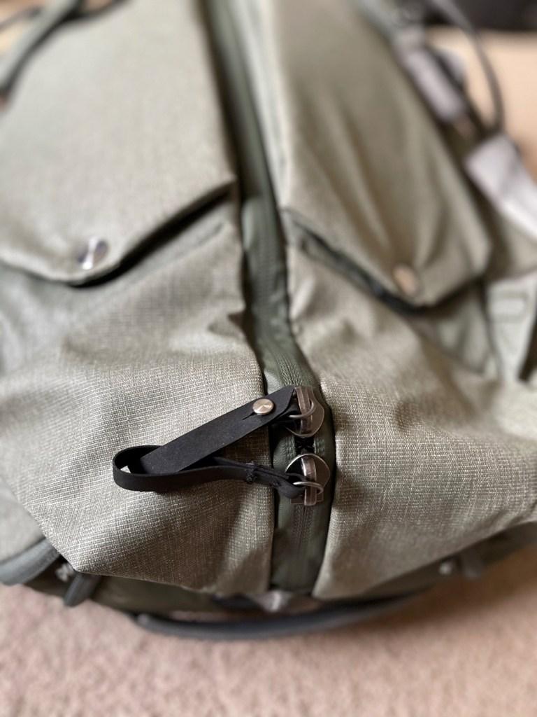Peak Design Travel Duffelpack 65L zippers Engearment