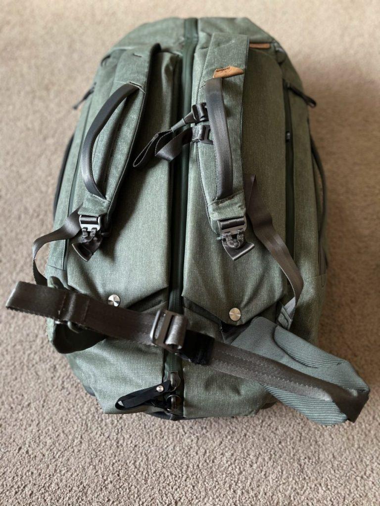 Peak Design Travel Duffelpack 65L hip belt Engearment