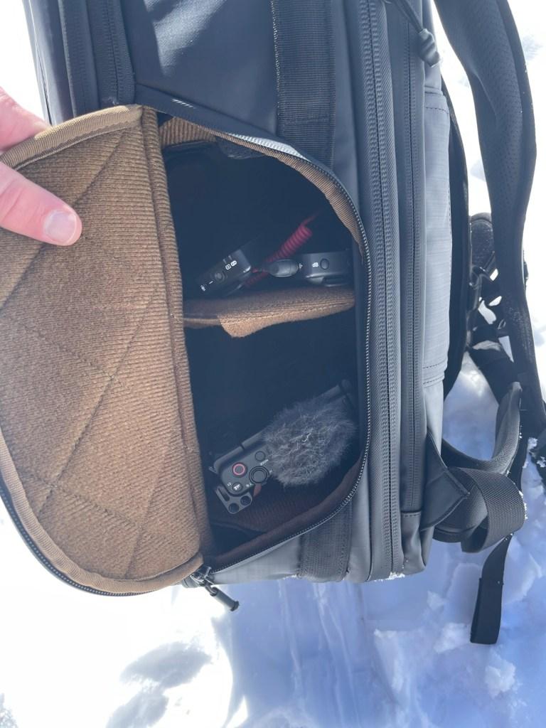 NOMATIC mckinnon camera pack Engearment quick access camera pocket