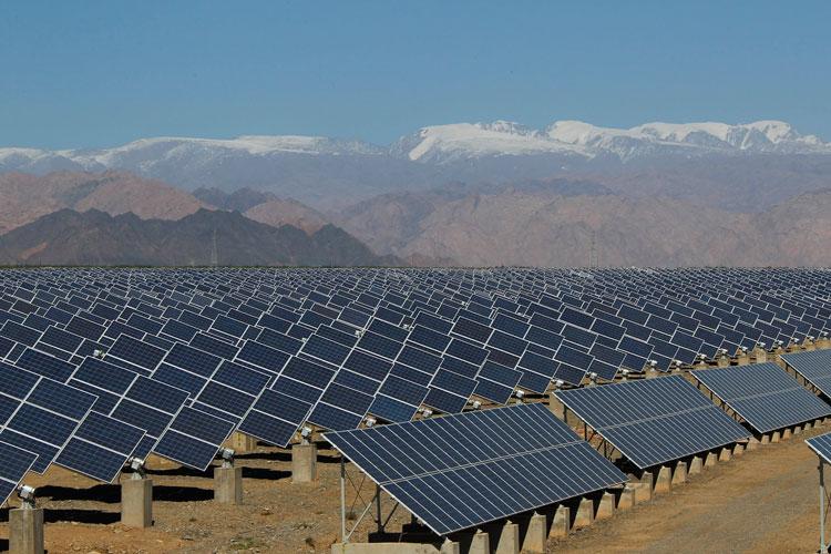 Usina solar formada por placas fotovoltaicas-blog-da-engenharia