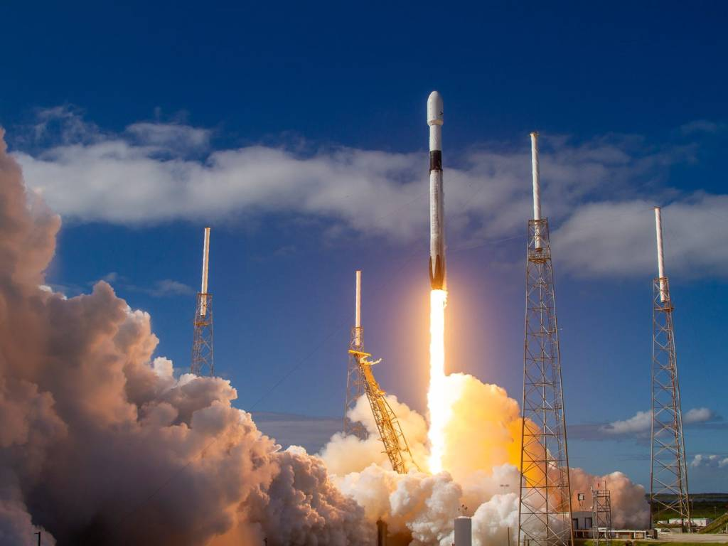 lançamento dos satélites starlink