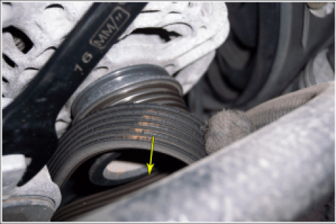 Cracked serpentine belt