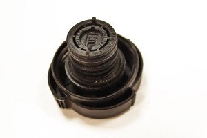 Stock E46 3-series expansion tank cap