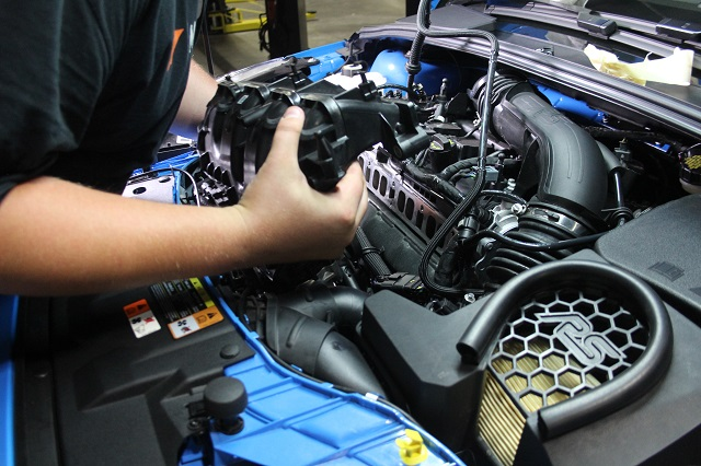 Removing the intake manifold for the Focus RS catch can