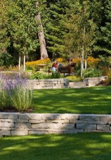 Backyard retaining wall....would love to do this back there. One day. _)