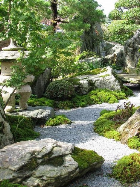 Beautiful_ Peaceful Japanese_Gardens. A good example of how the layout forms the atmosphere in the garden. The perfect Meditation nook.
