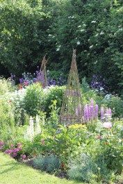 Best Glorious Country Garden Ideas Picture 40