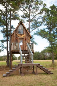 DIY salvage TREEHOUSE __ TREEHOUSE episode __ JUNK GYPSIES on GAC
