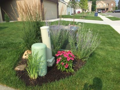Dazzling front yard patio ideas that will amaze you. _FrontYardIdeas _FrontYardDecoration _frontyardflowers _landscaping
