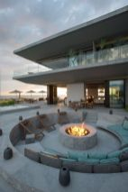 Gorgeous outdoor modern fire pit grill decoration ideas to enhance your house. _firepitideas _outdoorfirepit _backyarddesign _homedecor