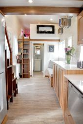 Like the two sided fireplace by the bedroom loft (1)