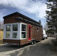 This is La Contemporaine (The Contemporary)_ a tiny house built by Quebec's Vivre en Mini_ a new bui (1)