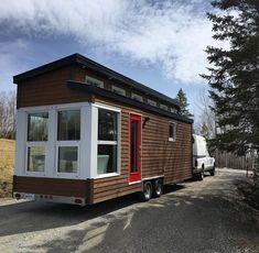 This is La Contemporaine (The Contemporary)_ a tiny house built by Quebec's Vivre en Mini_ a new bui (1)