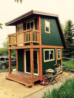 Tiny House with Two Stories _ Amazing Structure in Such a Small Foot Print. (1)