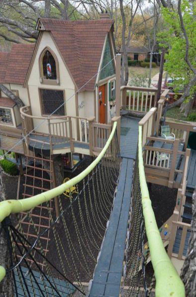 Une cabane dans les arbres pour vos enfants _