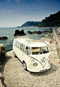 VW Kombi (Split Window) Campervan.. I_d love too travel around Canada or Australia or the US in this & just sleep in it