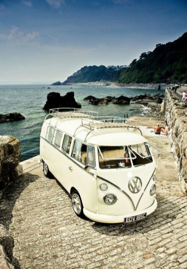VW Kombi (Split Window) Campervan.. I_d love too travel around Canada or Australia or the US in this & just sleep in it