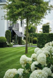 classic garden design ideas and full size statues _Gardendesignideas