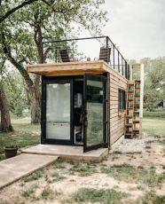 "upknorth_ "" Less indoor_ more outdoor. _getoutdoors _upknorth 20' container turned tiny house with rooftop deck. Built by _cargo_home. Photo by _alexis_mccurdy (at Waco_ Texas) """