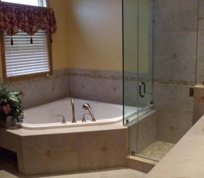 10+ Perfect Small Bathtub Ideas that Is Suitable for Your Bathroom