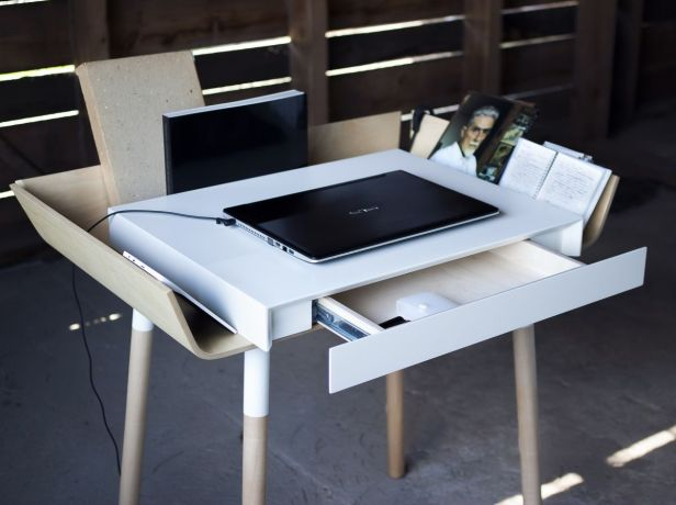 30+ Fabulous Modern Desk Ideas for Functional And Enjoyable Office