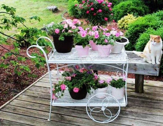 10 Most beautiful vintage garden decorations