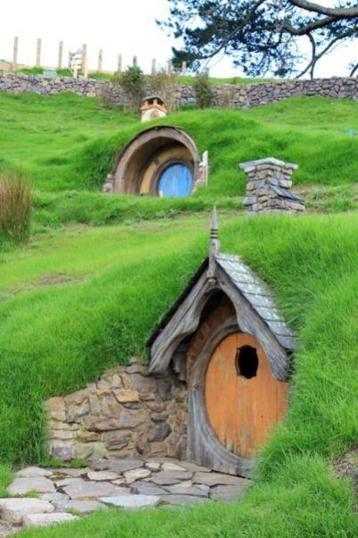 Underground_Housing