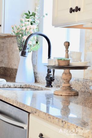 Admirable-Spring-Kitchen-Decor-Ideas-You-Should-Copy-17