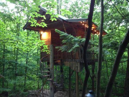 Wonderful-Treehouse-Design-Ideas-To-Beautify-Your-Backyard-03