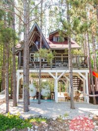 Wonderful-Treehouse-Design-Ideas-To-Beautify-Your-Backyard-10