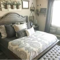 01-farmhouse-bedroom-design-decor-ideas-homebnc