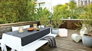micro-lodge-woodsy-urban-outdoor-space-rooftop-0112