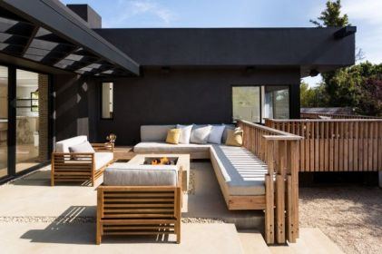 18-Modern-Fireplaces-and-Fire-Pits-to-Inspire-Outdoor-Living