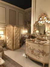 Baroque-dressing-sideboard-with-mirror-and-folding-screen