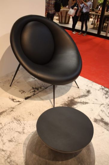 Black-lounge-chair-mod-century-modern-era