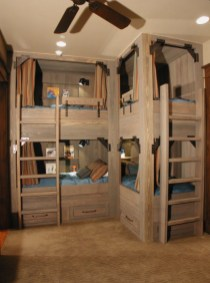 Bunk-beds-with-ladder-for-large-families