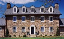 Colonial-home-stone-pattern