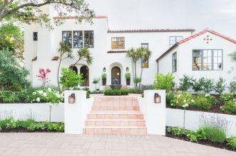 Courtyard-Spanish-House-Exterior