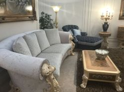 Decorating-with-rococo-furniture-sofa-and-coffee-table
