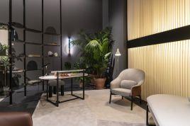 Desk-furniture-and-decor