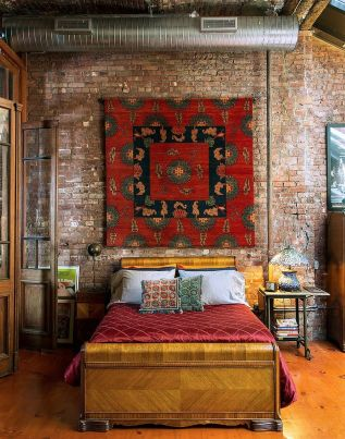 Exposed-bricks-wall-with-boho-style