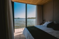 Floating-House-waterlilliHaus-by-SysHaus-bed-area